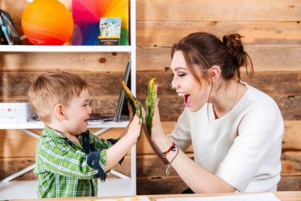 'Lời khen' sử dụng như thế nào để đạt hiệu quả với con.
