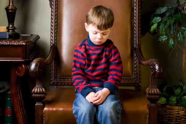 Dạy trẻ biết tôn trọng tài sản của mình cũng như của người khác